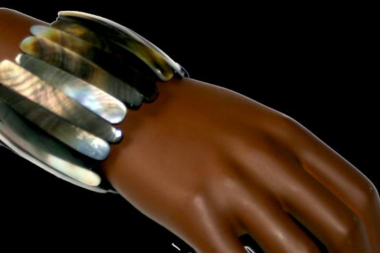 Manouk k187-2 schelpen armband