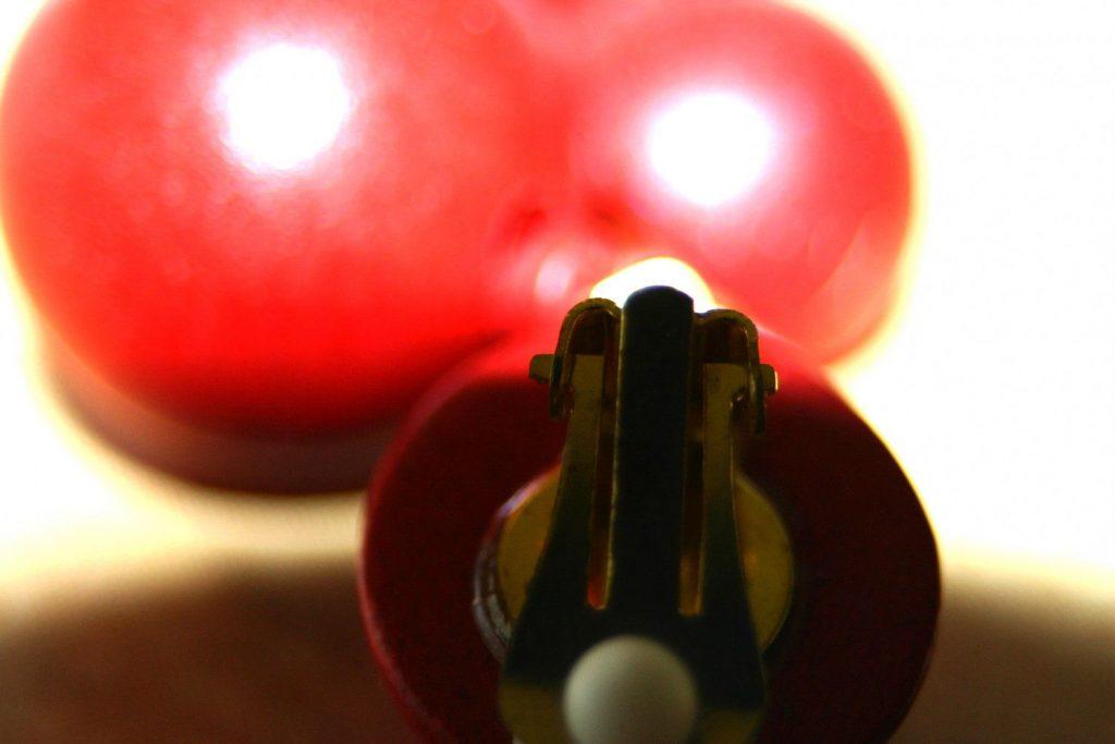 Manouk P104-1 Global Red Oorbellen