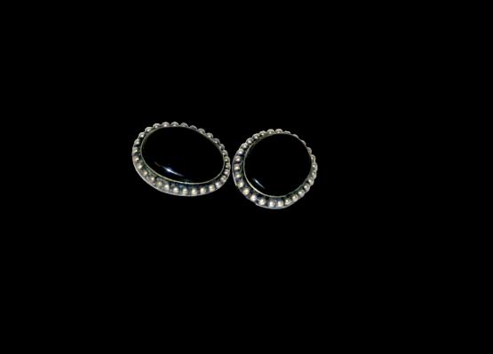 Manouk t087-6 Black Pearl Oorbellen