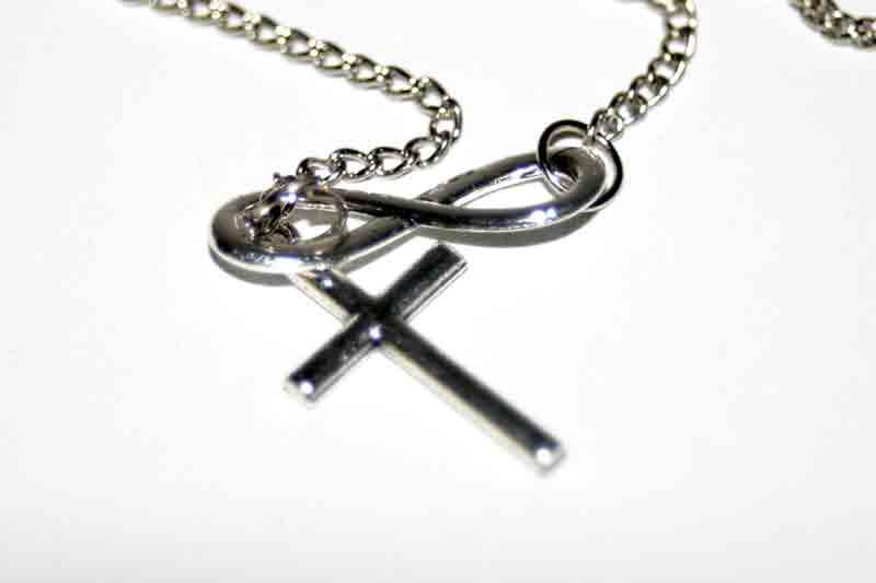 AA010 Ketting Infinite Cross