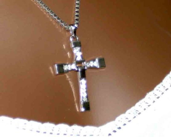 AA012 Ketting Strass Cross