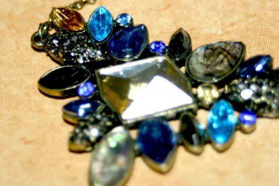 triangle / bijou / fashion / strass / ketting / mooi