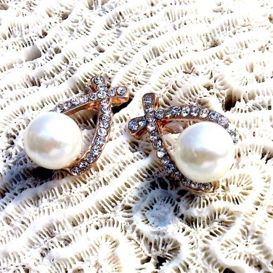 Kayleigh Oorbellen / bijoux/ parel / wit