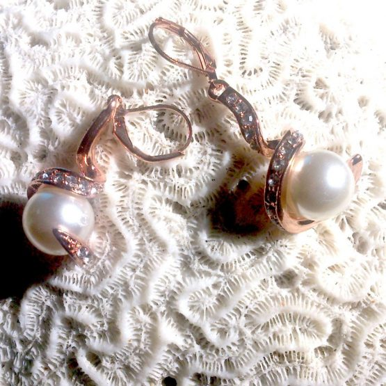 gold twirl oorbellen / bijoux / goud / parel / haakjes