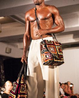 img_5644 / messenger / carpet bags / tapijt tas / boho