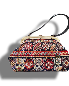 m4_436-19 / EXQUISITE / made of carpet / tapijt tas