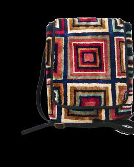 m8-599-19 / MESSENGER / / made of carpet / tapijt tas