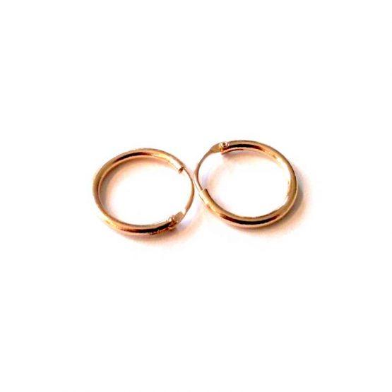 Eenvoudige oorring goud of zilverkleurig